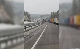 Fahrer müssen zum Teil geweckt werden - Kilometerlange Staus auch auf A4