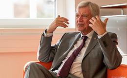 Volker Bouffier (CDU) sieht keine Öffnungsperspektiven bis zum 30. Juni