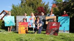 Zehn Künstlerinnen zeigen ihre Werke in der Alten Kirche