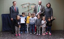 Kreis übergibt Förderbescheid in Höhe von 384.000 Euro an Bad Salzschlirf