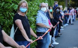 Über drei Kilometer lange Menschenkette: Rotenburger kämpfen für das HKZ