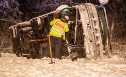 Schneefall und Eisglätte: Verkehrsbehinderungen und Unfälle in Osthessen
