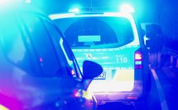 Junger Mann (18) beißt Polizist bei Festnahme in die Hand