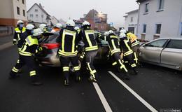 Frontalchrash: Zwei Verletzte bei Unfall auf der B27 in Friedlos
