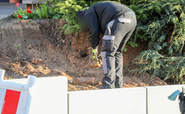 Sprenggranate bei Baggerarbeiten im Garten entdeckt