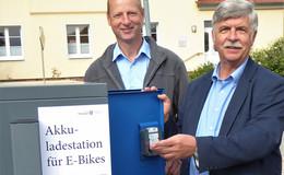 Acht neue Ladestationen für E-Bikes am Busbahnhof von Dermbach