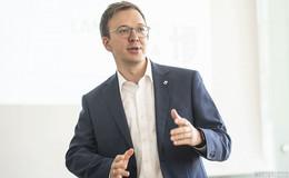 Nach Kreistagsdebatte: Mehrheit stimmt für Vize-Landrat Frederik Schmitt (CDU)