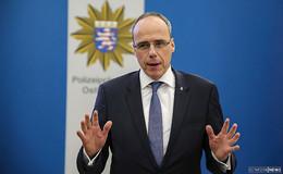 Innenminister Peter Beuth: Wer Einsatzkräfte angreift, gehört in den Knast