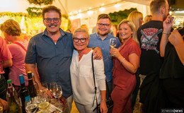 Das Weinfest im Museumshof brummt: Veranstalter sind mehr als glücklich