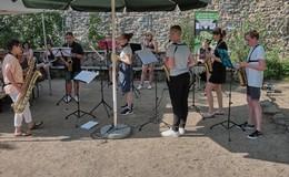 Gemeinsam im Garten: Picknick bei 30 Grad, vielen Ideen und guter Musik