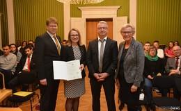 56 neue deutsche Staatsbürgerinnen und -bürger