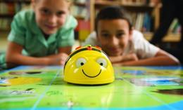 Lernroboter und Konsolenspiele für Kinder und Jugendliche