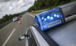Fehler beim Fahrstreifenwechsel: drei Personen auf A5 verletzt