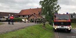 Feuer schnell unter Kontrolle: Dachstuhlbalken brennen