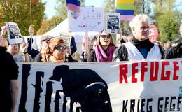 Friedliche Protestaktion mit Live-Musik: Neuhof ist bunt