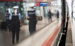 Sohn drin - Vater draußen: Achtjähriger plötzlich allein im Zug unterwegs