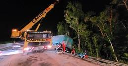 Lkw mit Gefahrgut am Abhang auf der A4 - Fahrbahn wieder frei