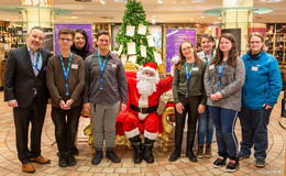 Seitenwechsel-Projekt: Jugendliche helfen im Weihnachtsstress