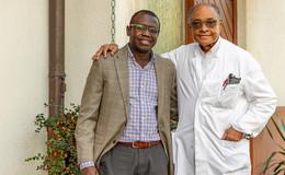 Petersberg bleibt schwarz: Hausarzt Dr. Jalloh übergibt an Dr. Che Ngwa