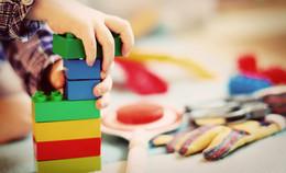 Auf Initiative von Landrat Dr. Koch: Eltern im Landkreis werden entlastet