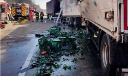 Crash auf der A5: Fuldaer im Führerhaus eingeklemmt und schwer verletzt