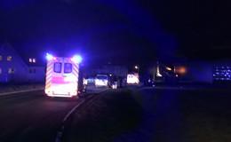 Kleinwagen kollidieren auf der Kreuzung - Drei Personen verletzt