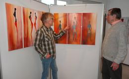 Ausstellung von Helmut Marx: Kunst für Afrika