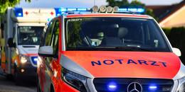 Alleinunfall: Motorradfahrer kommt von Fahrbahn ab und verletzt sich schwer