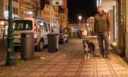 Freitagabend: Die Innenstadt ist fast leer - Ausgangssperre im Landkreis