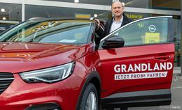 Opel Fahr: Traditionelles Angrillen mit neuem Opel Grandland X Hybrid