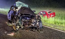 Tödlicher Crash: Mutter (57) und Sohn (22) sterben bei Frontalzusammenstoß