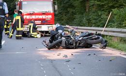 Drei Schwerverletzte: 19- und 18-Jährige von Krad geschleudert