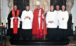 Bischof Dr. Michael Gerber nimmt drei Kandidaten für Weiheämter an
