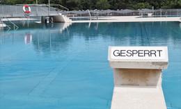 Kein Urlaub in der Heimat: Fällt nun auch der Badespaß im Freibad ins Wasser?