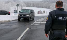 Schnee-Touristen pilgern trotz Sperrzeit erneut auf die Wasserkuppe