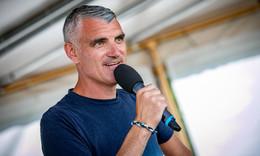 Tim Frühling überzeugt als Buchautor mit seinem Neulingswerk Totgegrillt