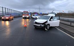 Mehr Blaulicht als Verletzte: Unfall auf der A7 - Hoher Sachschaden