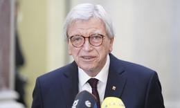 Keine Inzidenz-Werte mehr, Öffnung von Geschäften: Das plant Volker Bouffier