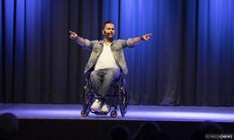 Rollt bei mir: Comedian Tan Caglar begeistert im vollbesetzten Kolpinghaus