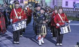 Gordons on Parade: Ein wunderbarer Sommerabend vor Schloss Fasanerie
