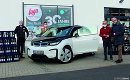 30 Jahre logo Getränke-Fachmärkte – Übergabe des Hauptgewinns: ein BMW i3
