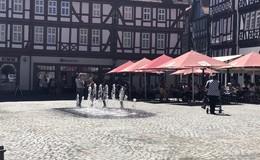 Wasserspiele am Marktplatz sorgen für Erfrischung