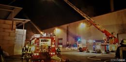 Feuerwehr übt bei B+T Plastics: Materialsilos in Vollbrand - vermisste Personen