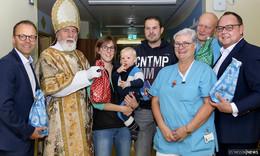 Kranke Kinder glücklich machen: Nikolausbesuch in der Kinderklinik