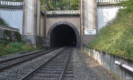 Gleise im Hönebach-Tunnel werden erneuert - Bahn investiert in Hessen
