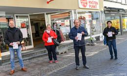 Warme Sonntagssuppe für Bedürftige - Flugblätter verteilt