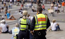 Innenminister warnt vor Extremismus bei Corona-Demonstrationen