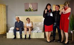 """""""Wellness mit Nebenwirkungen"""": Theatergruppe Kleinlüder feiert Premiere"""