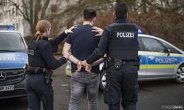 Straftatenserie durch 31-jährigen Rotenburger: Beamten in Magen getreten