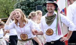 Kirmes in Kermes - 15 Paare stemmen vier Tage lang großes Fest